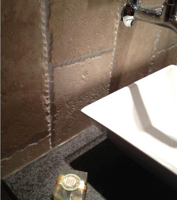 Travertin Macchiato et Granit Nerosso