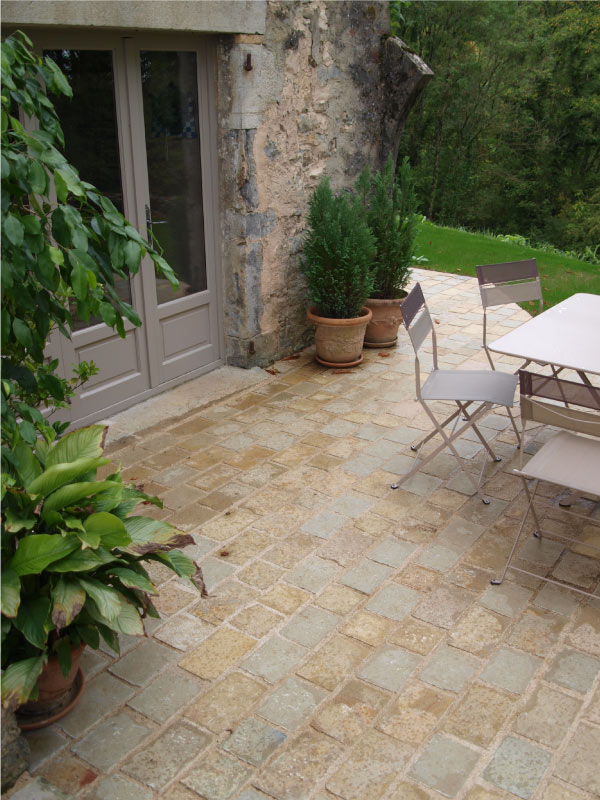 terrasse-calcaire-castello-beige